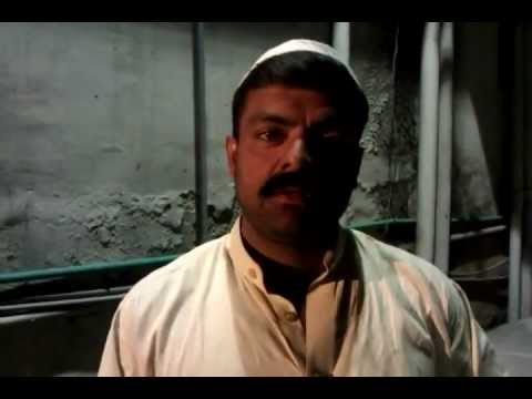 Pakistani Guy In Market selling stuff has amazing English