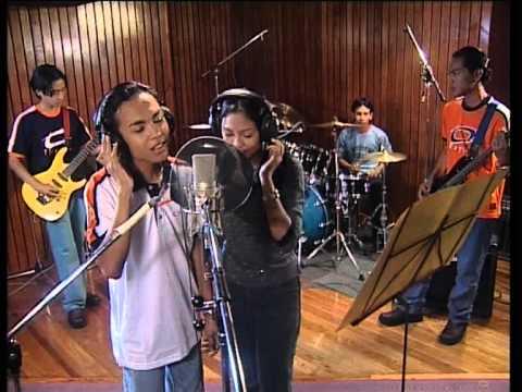 Siti Nordiana & Achik - Gurauan Berkasih (Official Music Video)