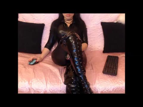 Lusty chick in latex Sharka Blue teasing her male pet stiff cock № 208603 без смс