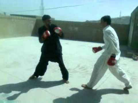 Video0005.3gp King Niazi Fights video