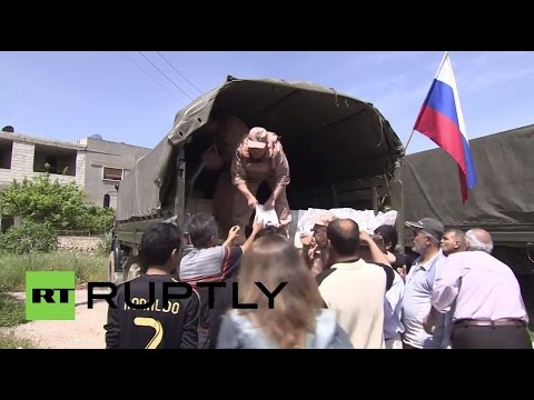 Syria: Russian troops deliver humanitarian aid to Salhab