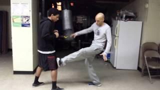 Savate Vs Muay Thai. Shin Vs Foot