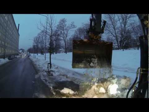 Terex TW 110 pysäköintitaskujen lumityöt