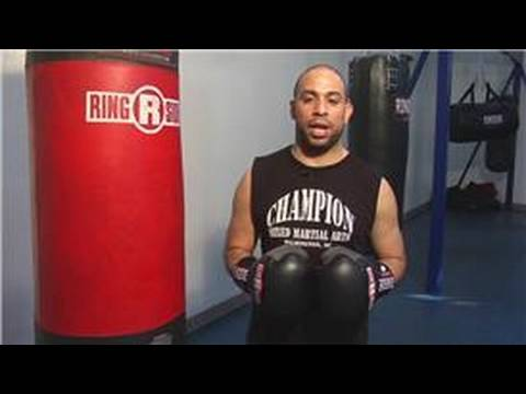 Boxing Training : How to Punch a Heavy Bag Image 1