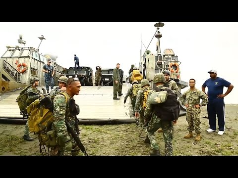 Phiblex 2015 - Loaded in US Marines Landing Craft Air Cushion