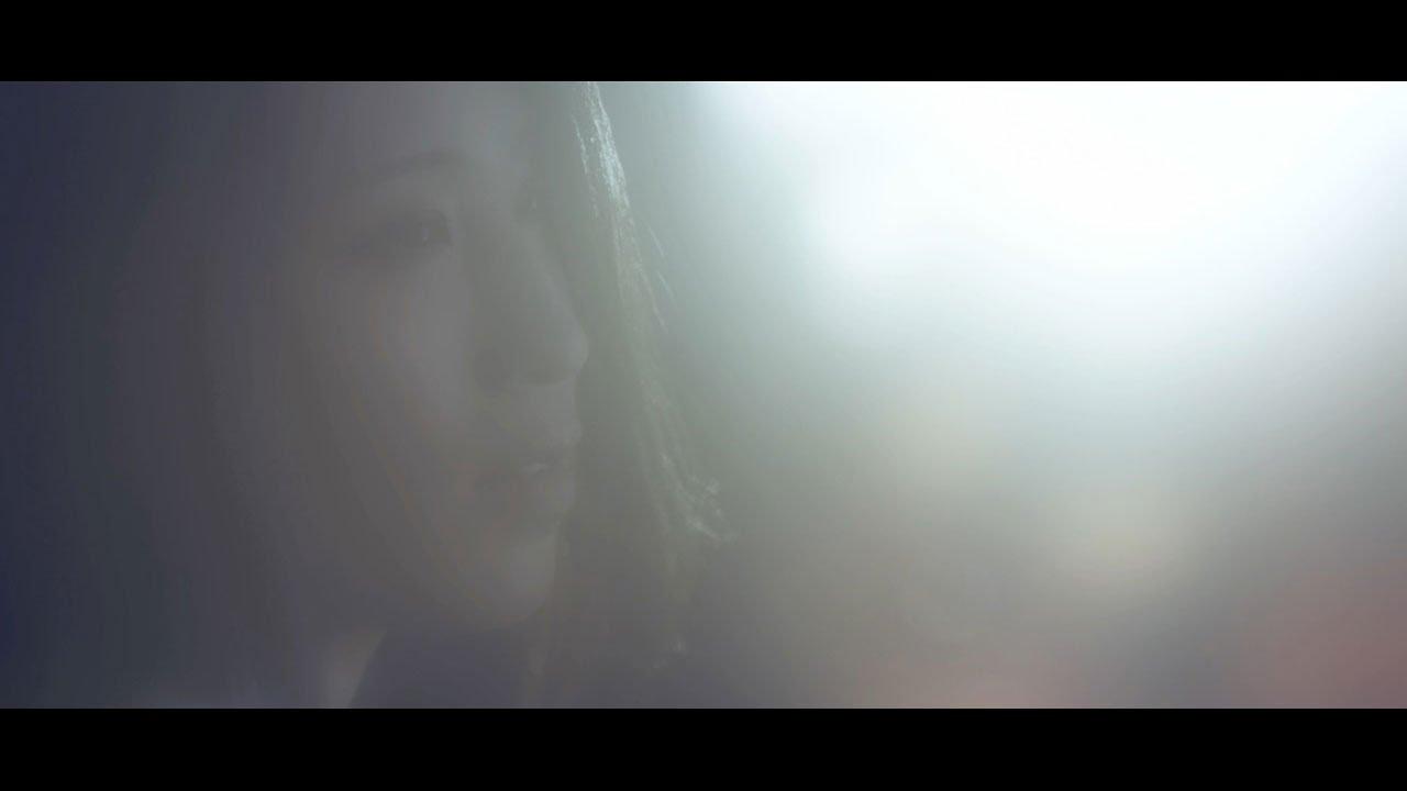 1st Single「星の中の君」