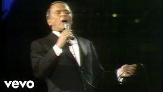 Watch Frank Sinatra Street Of Dreams video
