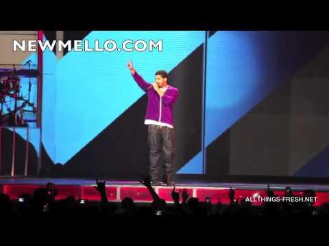 Video] Rihanna x Drake -- Live In Toronto