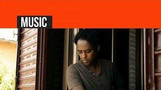 Eritrea - Aklilu Mebrahtu - Zhul Hawi   ዝሑል ሓዊ - (Official Eritrean Video) - New Eritrean Music 2015