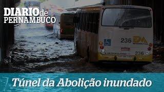 T�nel da Aboli��o amanhece inundado