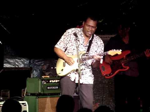 Robert Cray - Shiver All Over