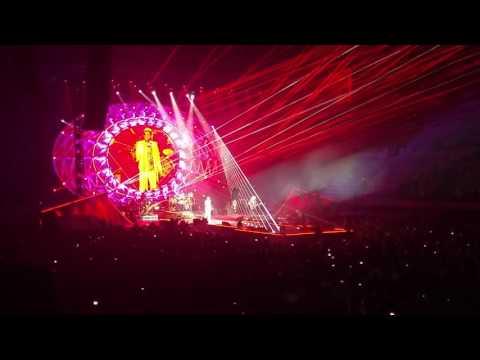 Queen + Adam Lambert Barcelona -   Radio Ga Ga