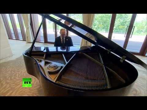 Vladimir Putin Performs the COD Zombies Theme