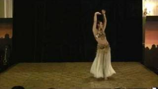 Alia belly dancing to Rihlat el Ghawzia