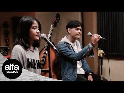 Download Anandito feat Ashira Zamita - Kekasih Setia Live Accoustic Version Mp4 baru