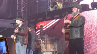 Watch Zac Brown Band I Play The Road video