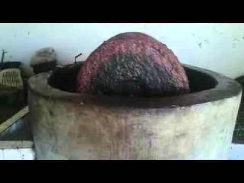 الطريقة التقليدية المعاصرة لعصر الزيتون بمنطقة كرات