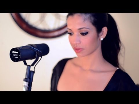 Amy Winehouse - Back To Black (Cover by Julissa Ricart)
