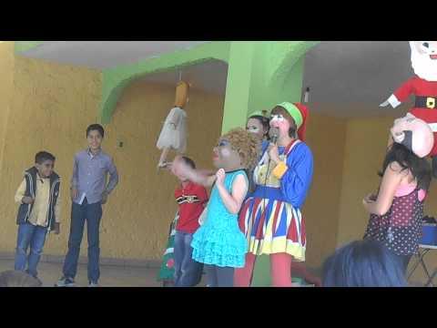 POSADA DEL KINDER DISCORVERY CON LAS PAYASITAS NUBELIZ, NUBESÚ MASCARA CELIA CRUZ 20-DIC-14