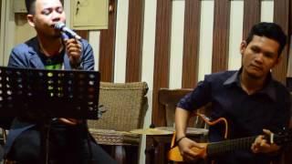 download lagu Vhirza - Kita Yang Beda Cover Oky Kendari gratis