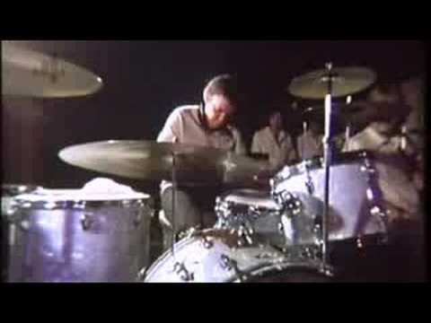 Buddy Rich on why he doesn't use match grip Music Videos