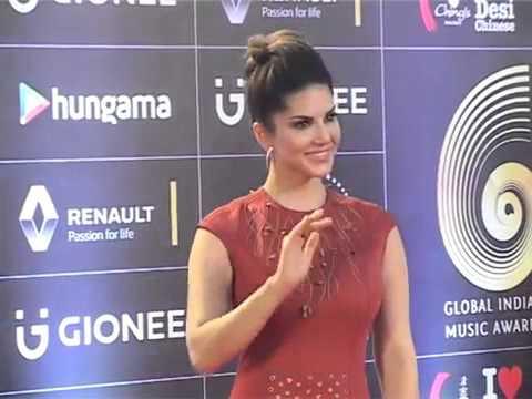 Sunny Leone Shone like A Star At Red Carpet GiMA Awards 2016