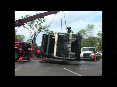 Wrecker. Rotator Wrecker Big Rig Heavy Duty Tow Truck In Action How to lift