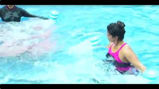 Yami gautam hot in  pool_Fun time clip