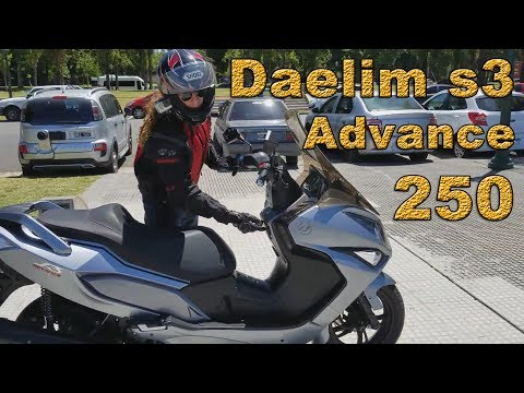 Review Daelim s3 250 Advance