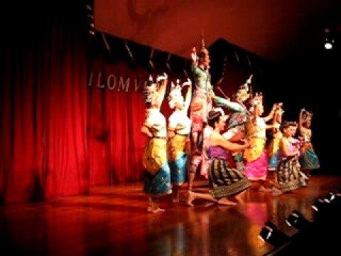 Fitz Bangkok Silom Village Traditional Thai Dance Finale