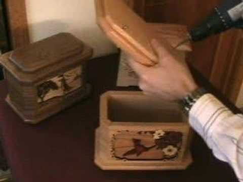 How to open a wooden urn