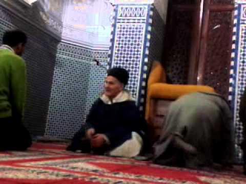 عالم ضرير يمنع من الميكروفون بمسجد الحسن الثاني تطوان حتي لايسمع صوته