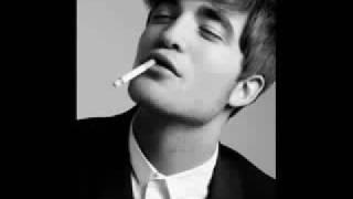 Robert Pattinson - Stray Dog
