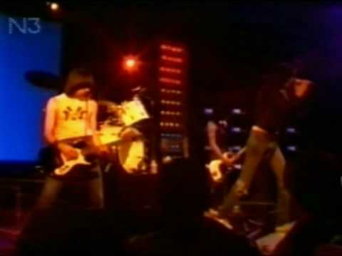RAMONES- Needles And Pins  1978