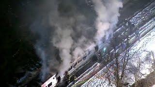 اصطدام قطار بسيارة في نيويورك...في 15 ثانية!