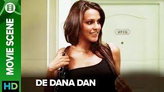 Neha Dhupia takes off her jacket | De Dana Dan