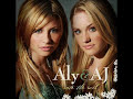 Aly And Aj de In A Second [Lyrics]