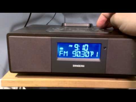 Overview of the Sangean WR-5 radio with iPod dock