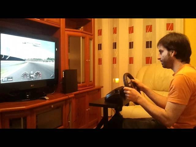 VOLANTE LOGITECH DRIVING GT CON CON SOPORTE.