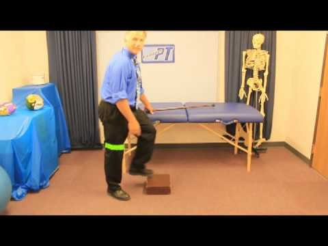 how to walk down stairs with knee pain