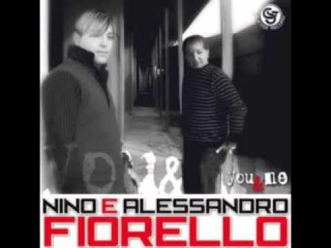 Ancora lei...Alessandro e Nino Fiorello 2011.avi