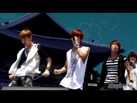 [full Fancam] 110528 Shinee Taemin - Lucifer  Walking Festival video