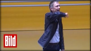 "Uni-Professor geht steil in Erlangen - Vorlesung wird laut (Original) ""Obereber"" Ersties Mathe"