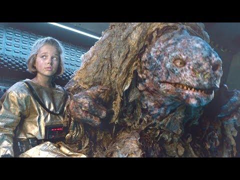 小女孩與怪物在地下生活一年,不僅情同父女,還可以用手語交流!