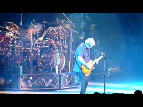 Alex Lifeson shreds on