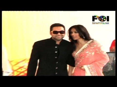 Abhay Deol Attends Esha's Wedding, No Sunny & Bobby