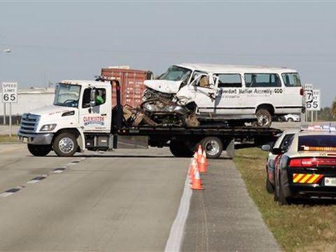 8 Dead, 10 Injured When Florida Van Crashes