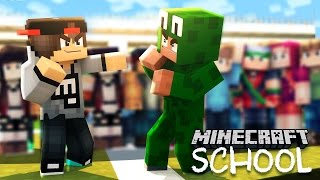 Minecraft School - LITTLE LIZARD GETS INTO A FIGHT WITH THE BULLY!