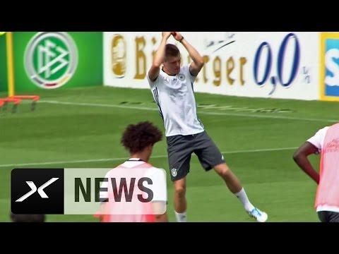 Toni Kroos macht den Cristiano-Ronaldo-Jubel | DFB-Trainingslager in Ascona | EM 2016