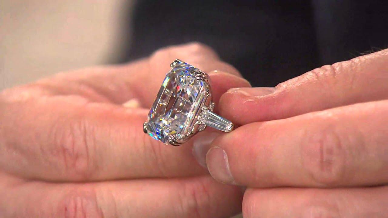 White Diamonds Elizabeth Taylor perfume  a fragrance for